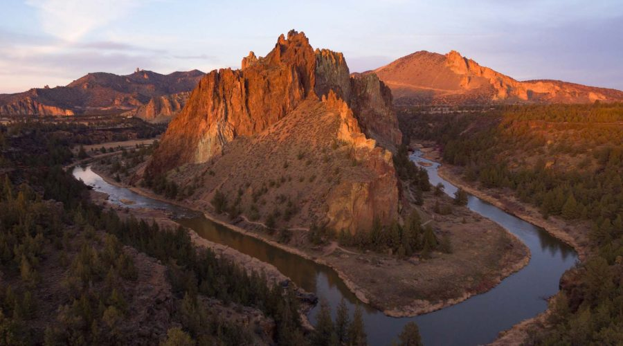The Crooked River Meanders Around the Geology of Smith Rock Oreg